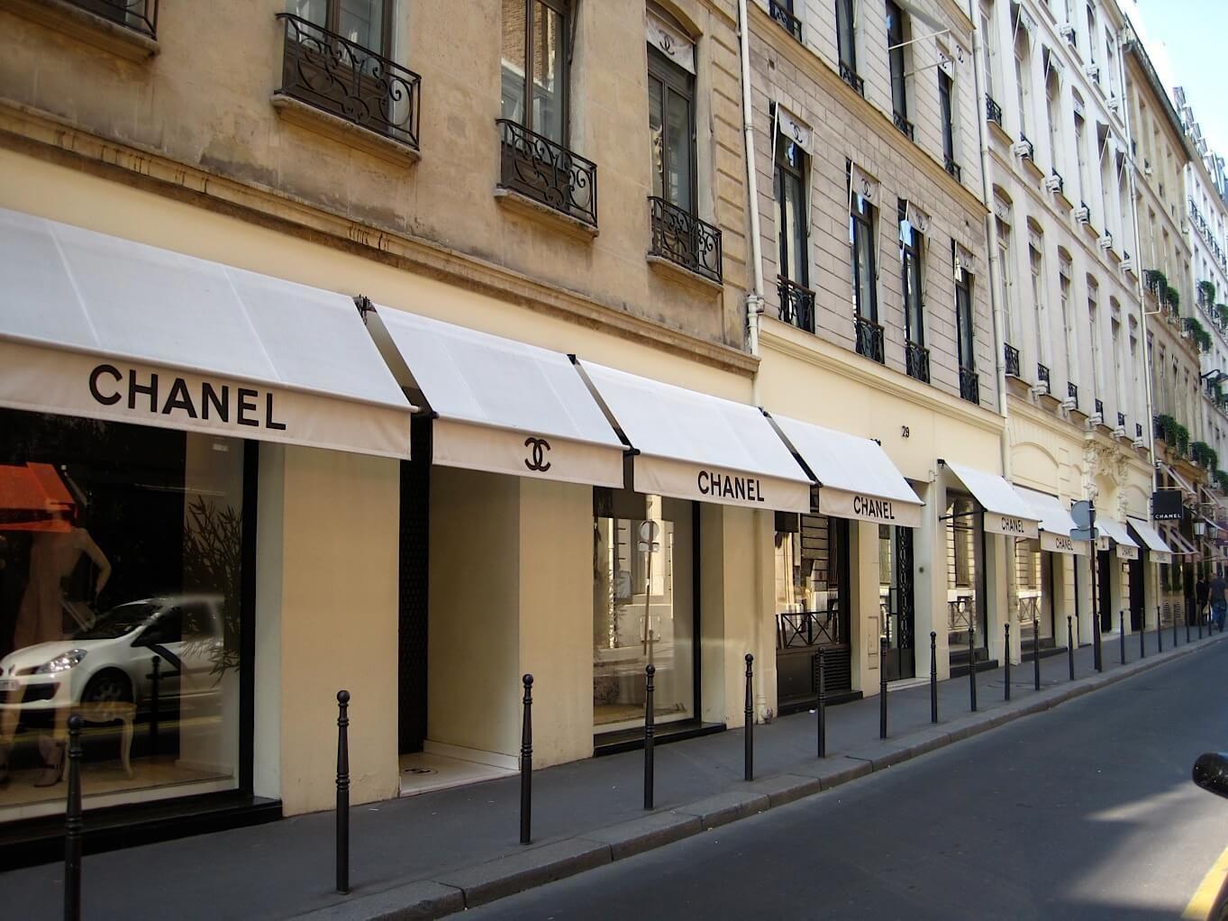 Paris-Avenue-Montaigne