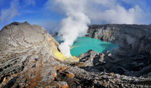 Gezilip Görülecek Dünya'nın En Güzel Volkanik Göller Listesi