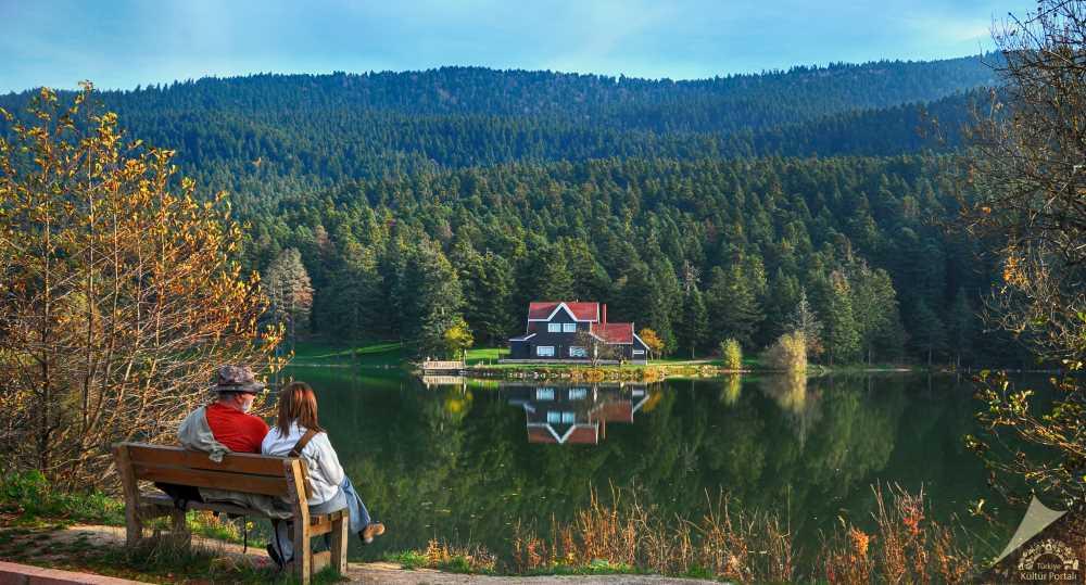 Gölcük Gölü ve Tabiat Parkı
